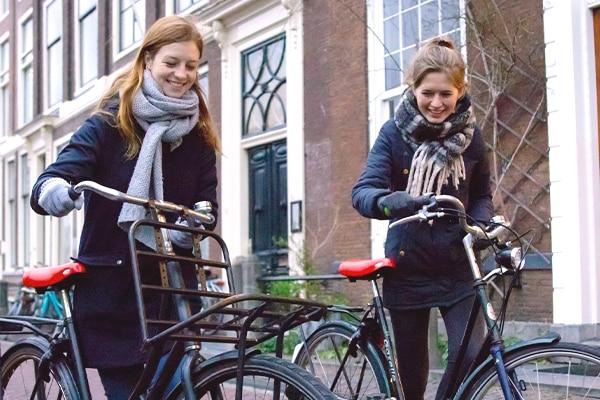 Dames-lopen-fiets_600x400