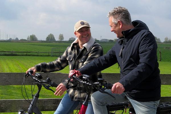 Bas-mannen-op-pointer-e-bike_600x400