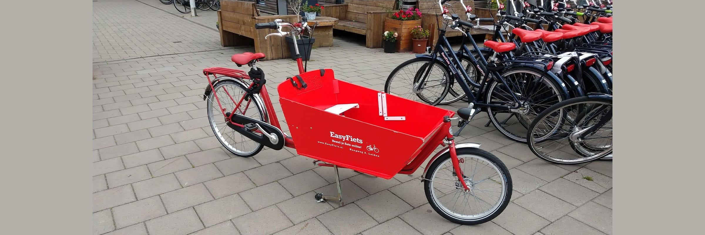 Huur een bakfiets van bakfiets.nl bij EasyFIets in Leiden. Deze tweewieler bakfiets kun je huren bij Fietsverhuur EasyFiets.
